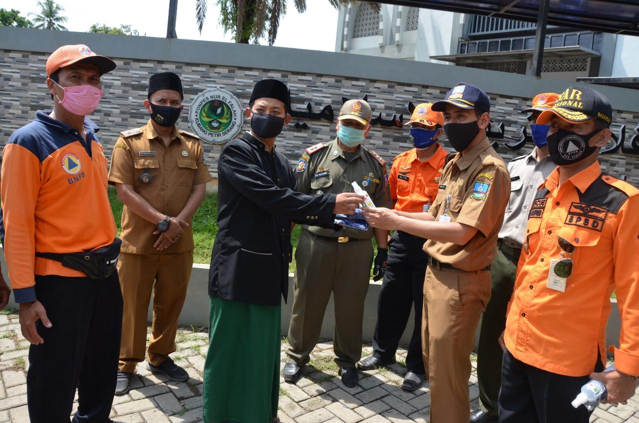 bagikan-masker-satgas-kabupaten-serang-sasar-lembaga-pendidikan