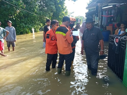 banjir-di-kecamatan-binuang