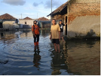 banjir-di-kecamatan-tanara