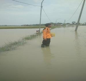 cuaca-ekstrim-banjir-di-kecamatan-tunjung-teja