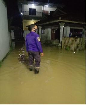 kejadian-banjir-di-kecamatan-jawilan