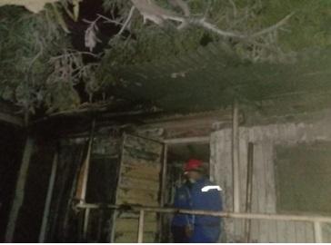 korsleting-listrik-menyebabkan-kebakaran-industri-ptcilegon-fabricators-jl-raya-bojonegara-ds-argawana-kecamatan-bojonegara