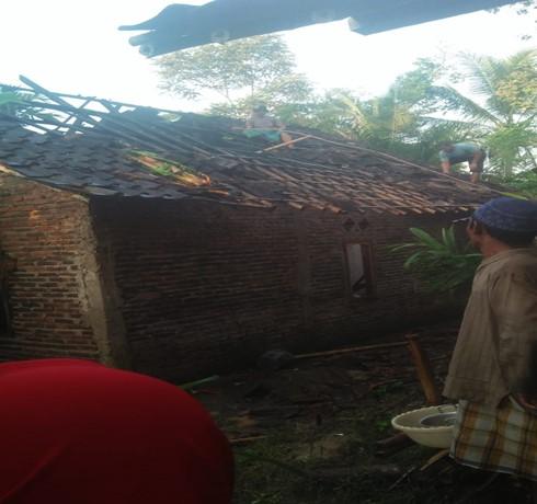laporan-kejadian-kebakaran-di-kecamatan-pamarayan