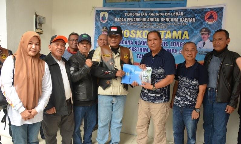 pemkab-serang-salurkan-bantuan-untuk-korban-banjir-lebak